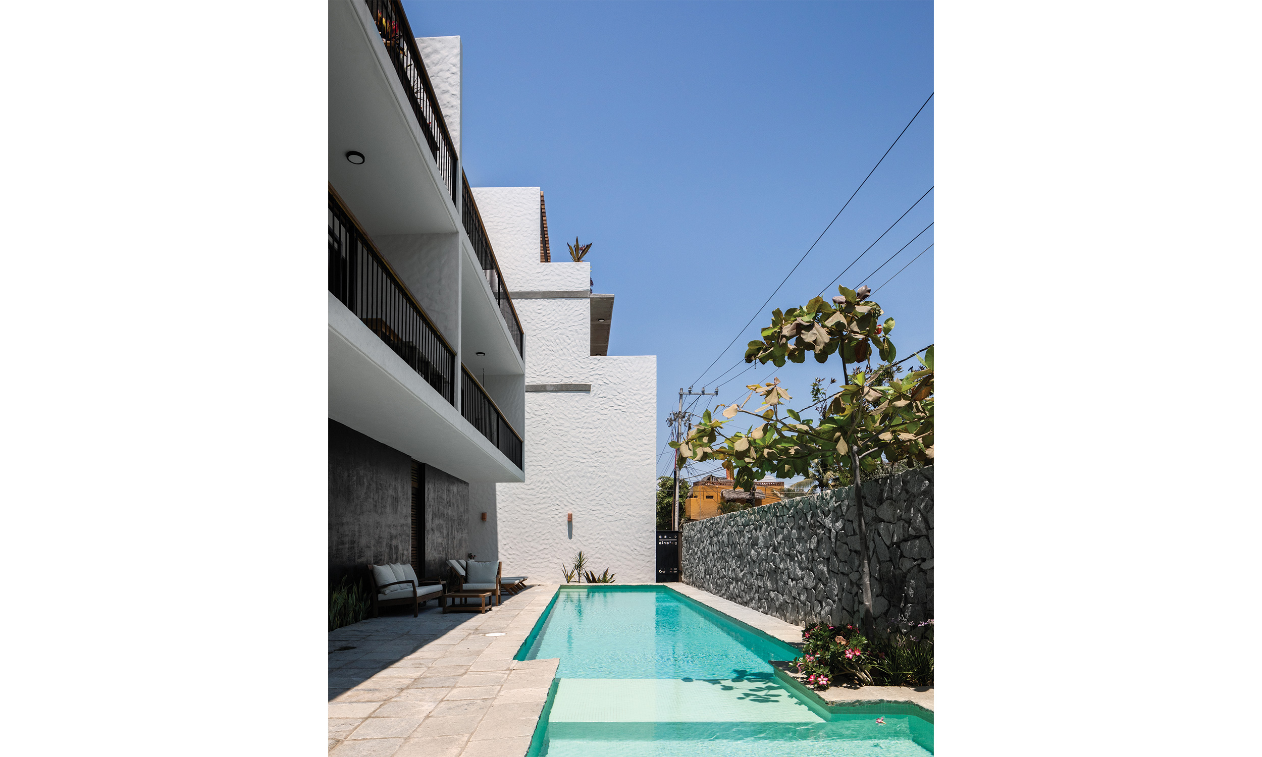 main_office_casa_galería_rafaél_gamo_1248_pool