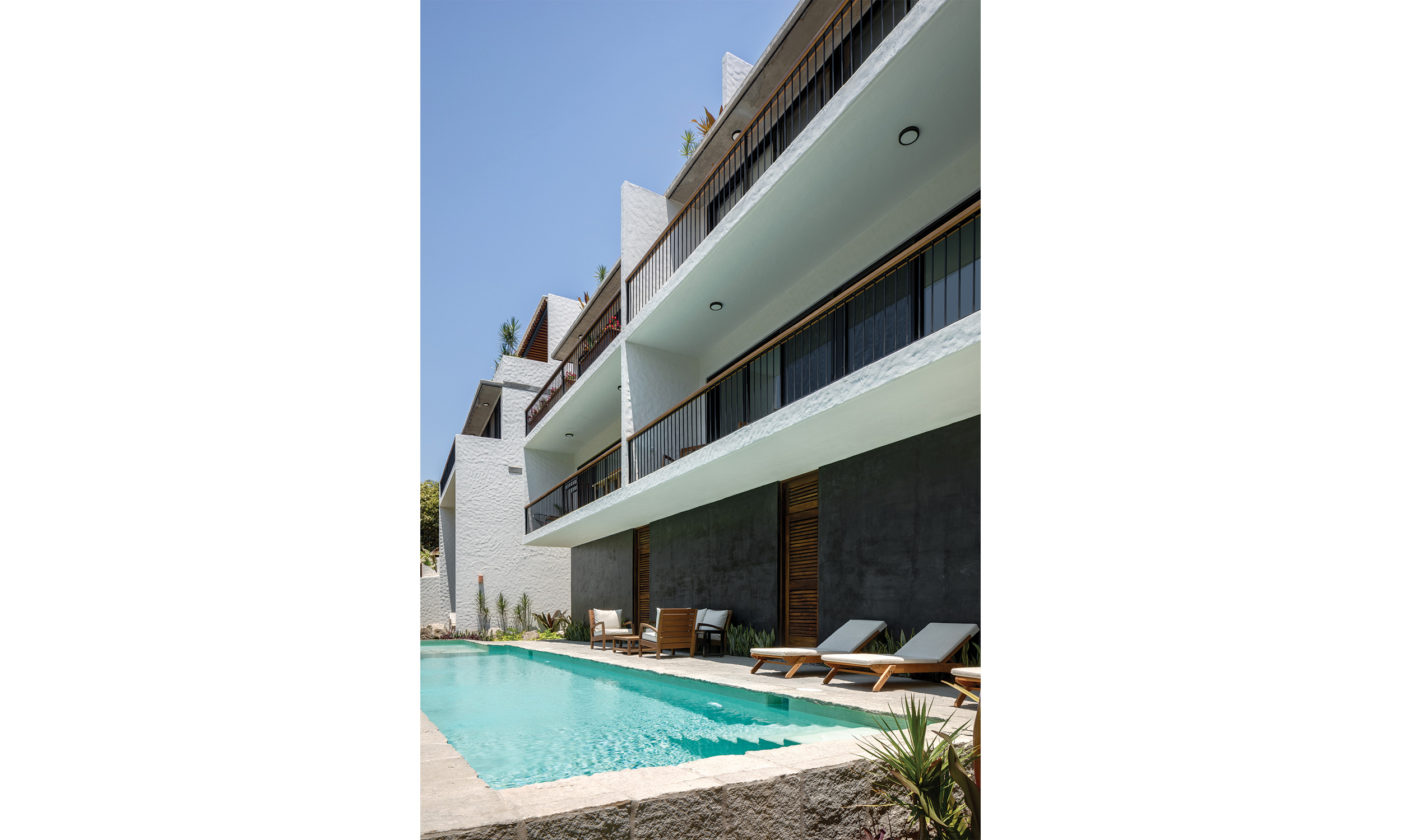 main_office_casa_galería_rafaél_gamo_211_pool