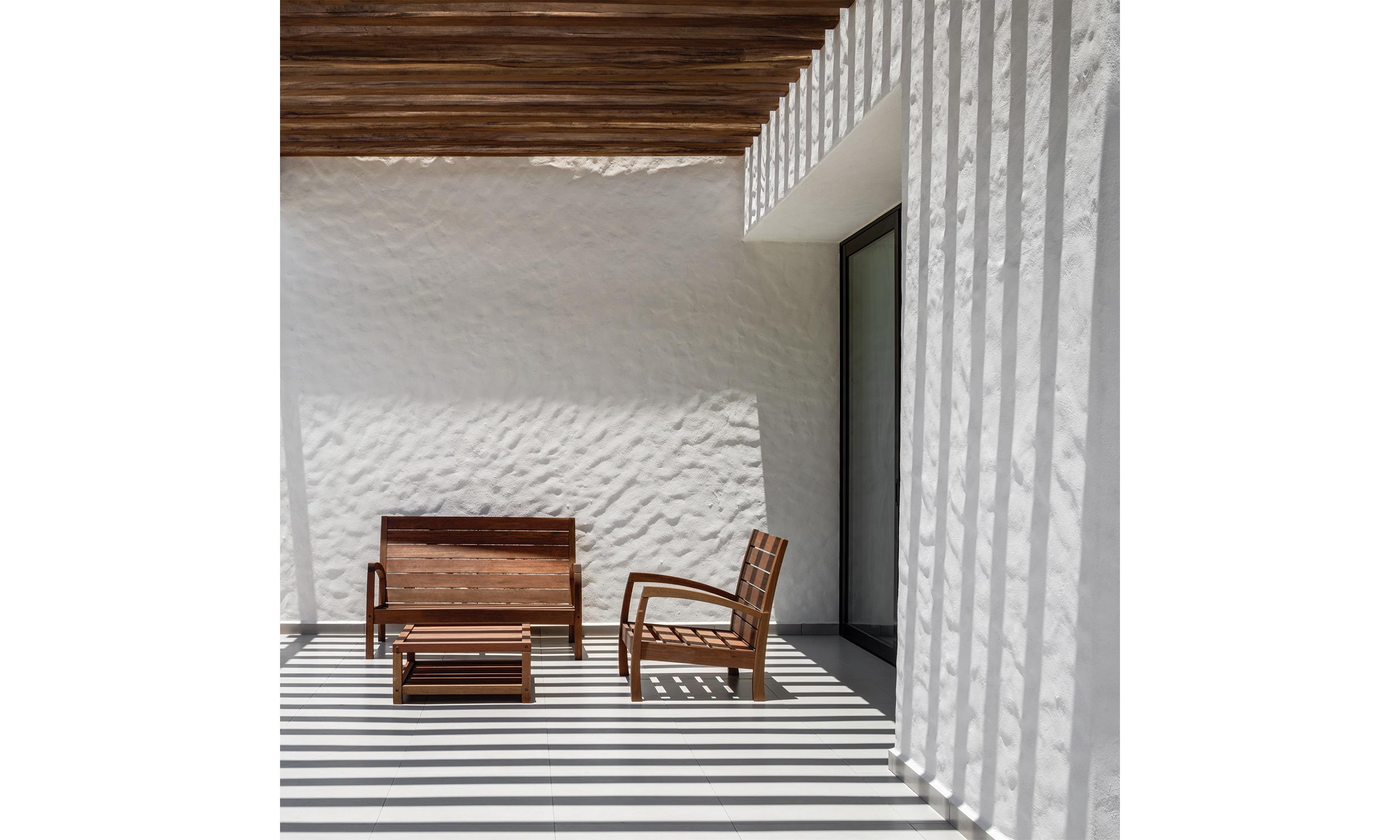 main_office_casa_galería_rafaél_gamo_256_terrace