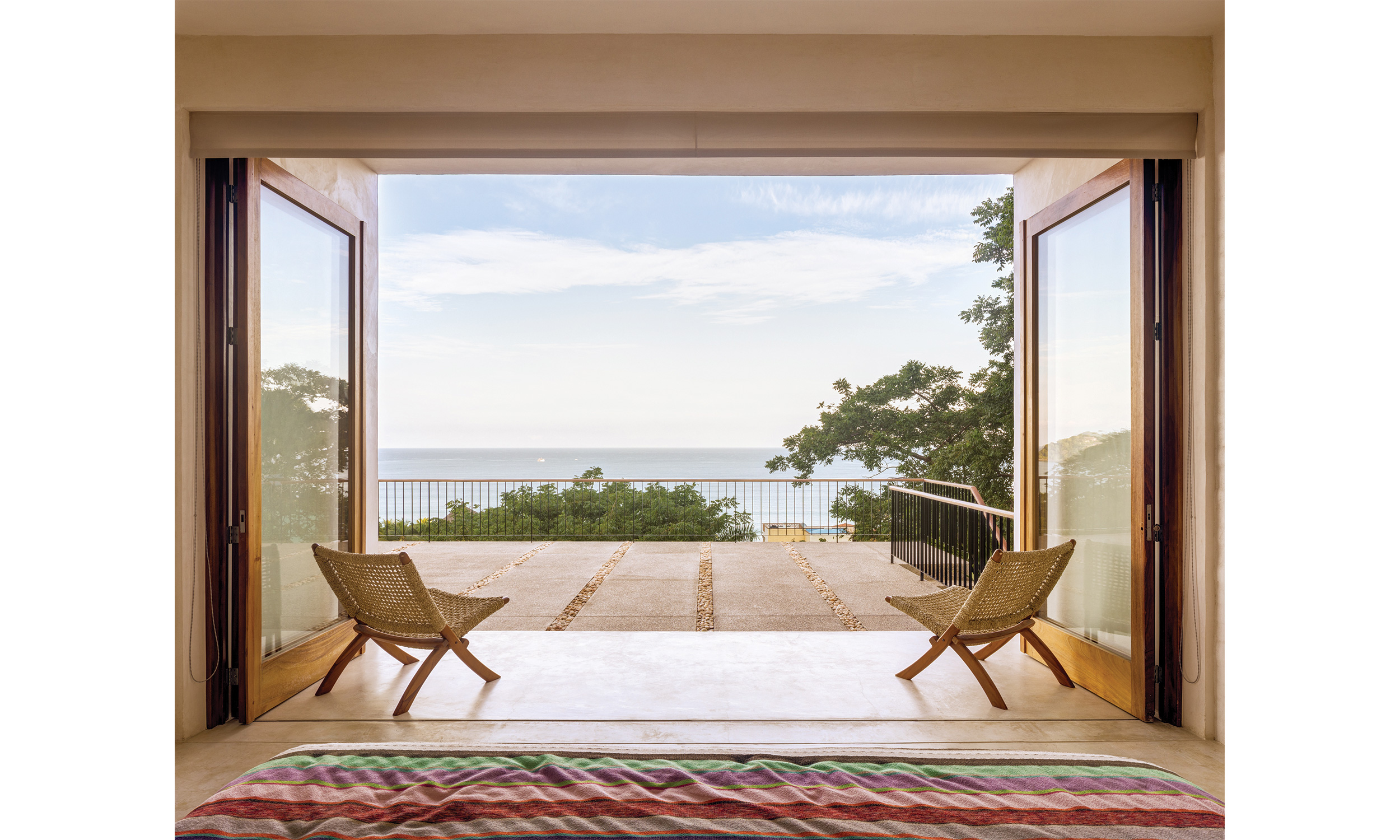 main_office_casa_reavis_rafaél_gamo_0578_terrace_view