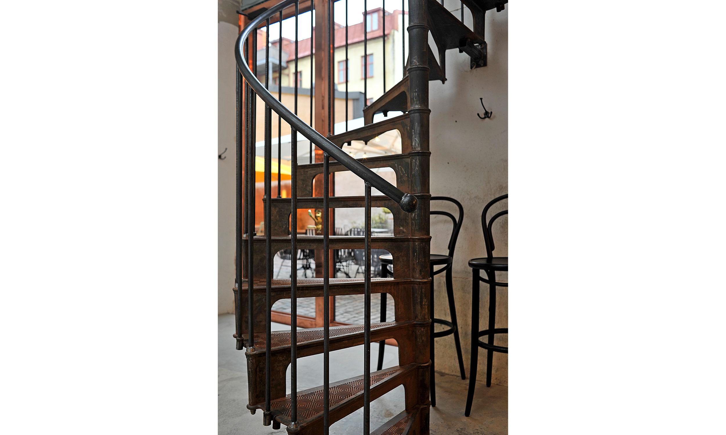 main_office_olssons_vin_dsc0943_stair
