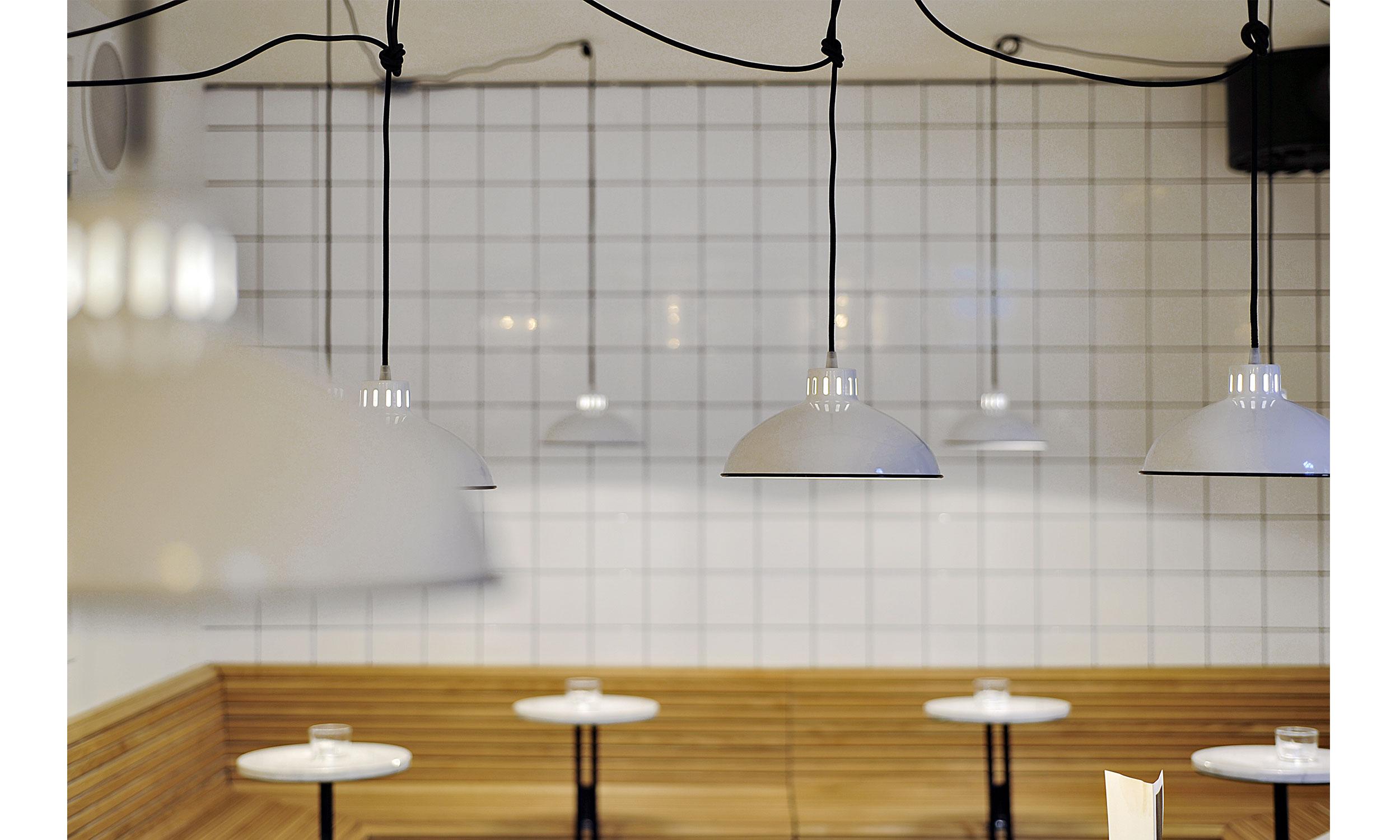 main_office_olssons_vin_dsc0953-_dsc0955_lamps