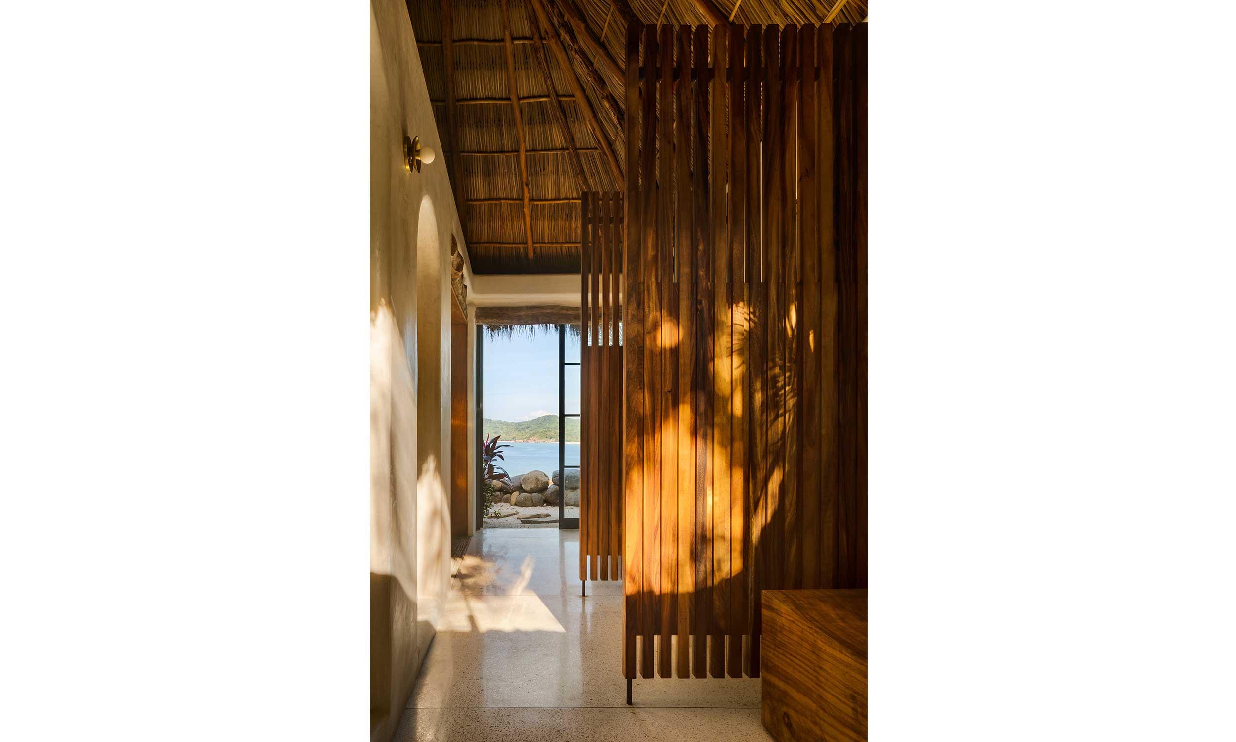 main_office_villa_pelicanos_interior_03